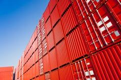 преграждает красный цвет контейнера Стоковые Изображения