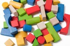 преграждает цветастую игрушку деревянную Стоковое Фото