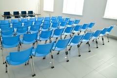 предводительствует комнату конференции пустую Стоковая Фотография RF