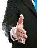 предлагать человека рукопожатия руки Стоковое Изображение RF