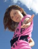 предложения руки девушки Стоковое Изображение RF