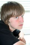 предназначенное для подростков мальчика душераздирающее Стоковое Изображение