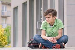 Предназначенный для подростков мальчик назад к школе Стоковая Фотография RF
