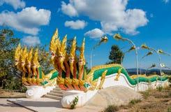 Предохранитель змейки дракона Naga в виске Wat в Таиланде Стоковые Фото