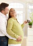 предпологать пар младенца счастливый стоковые изображения rf