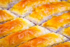 Предпосылка бахлавы Еврейский, турецкий, арабский традиционный национальный десерт Макрос Селективный фокус Восточные помадки, во Стоковое фото RF