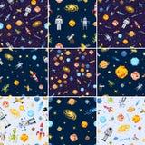 Предпосылка безшовной картины космоса установленные, космонавт чужеземца, ракета робота и искусство пиксела планет солнечной сист Стоковое фото RF
