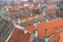 Предпосылка вида с воздуха, средневековый город Сибиу Стоковые Изображения RF