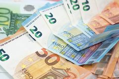 Предпосылка денег евро от много банкнот евро в различном valu Стоковые Изображения