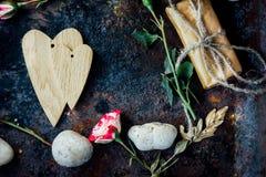 Предпосылка дня валентинки - 2 деревянных сердца совместно Стоковая Фотография