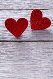 Предпосылка дня валентинки, handmade сердца на древесине, космосе экземпляра Стоковая Фотография RF