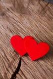 Предпосылка дня валентинки, handmade сердца на древесине, космосе экземпляра Стоковые Изображения RF