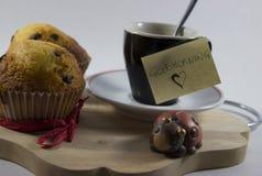 Предпосылка доброго утра, удачливый комплект завтрака стоковая фотография