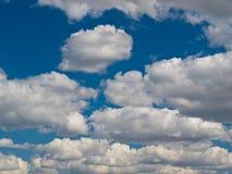 предпосылка заволакивает небо Стоковое Изображение