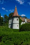 Предпосылка замка Shenborn в украинских прикарпатских горах Стоковое Изображение RF