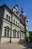 Предпосылка замка Shenborn в украинских прикарпатских горах Стоковые Фото