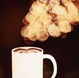Предпосылка и кофе Bokeh Стоковое Изображение