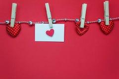 Предпосылка и украшения дня валентинок взгляд сверху форма влюбленности, ge стоковые изображения rf