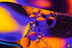 Предпосылка конспекта вселенной космоса или планет Абстрактное sctructure молекулы вода пузырей ванны предпосылки голубая Макрос  Стоковые Фото