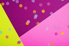Предпосылка конспекта геометрическая праздничная с sequins Пурпурный, пинк и желтый цвет 2019 тенденции стоковые фото
