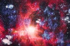 Предпосылка космоса абстракции для дизайна Мистический свет планеты, звезды и галактики в космическом пространстве показывая крас Стоковое Фото