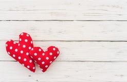 Предпосылка 2 красная сердец для Wedding или карточки дня валентинок Стоковое фото RF