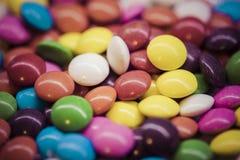 Предпосылка красочных падений конфеты Стоковое Фото