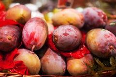Предпосылка манго Органические зрелые манго на st рынка или бакалеи Стоковая Фотография RF
