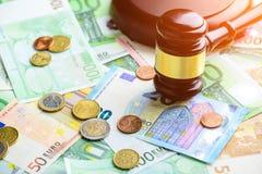 предпосылка наличных денег евро Куча различных банкнот евро, монеток Стоковые Изображения