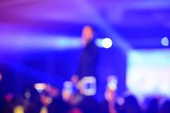 Предпосылка нерезкости в концерте стоковые изображения