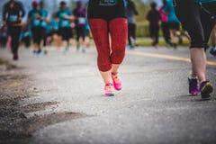 Предпосылка ног Marathoners с космосом экземпляра для текста Стоковые Фото