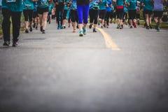 Предпосылка ног Marathoners с космосом экземпляра для текста Стоковая Фотография RF