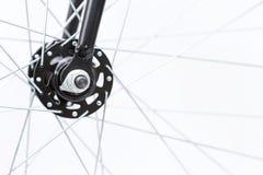 Предпосылка переднего колеса велосипеда крупного плана новая Стоковое Фото