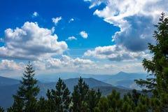Предпосылка полу-сердитых облаков Стоковые Изображения