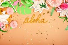предпосылка праздничная тема тропическая hawaii Партия, день рождения над взглядом Плоское положение стоковая фотография