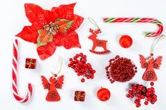 Предпосылка рождества сделанная игрушек красного цвета и украшений Нового Года Стоковое фото RF