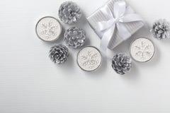 Предпосылка рождества, серебряный и белый стоковые фото