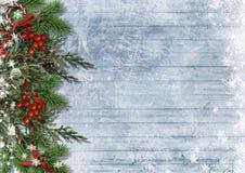 Предпосылка рождества с границей тросточки конфеты, ели, падуба Стоковые Изображения