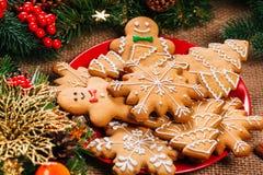 Предпосылка рождества с домодельными печеньями пряника Стоковое Изображение
