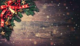 Предпосылка рождества с елью и украшением стоковое фото rf