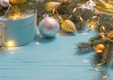 Предпосылка рождества с branchs и шариками ели Стоковое Изображение