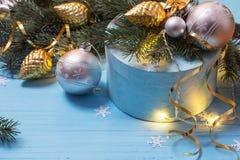 Предпосылка рождества с branchs и шариками ели Стоковая Фотография RF