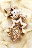 Предпосылка рождественской открытки с печеньями имбиря Стоковые Изображения