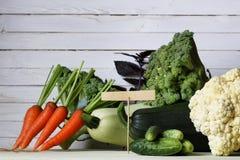 Предпосылка свежих овощей деревенская деревянная Стоковые Фото