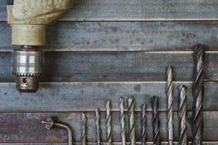 Предпосылка сверла и металла буровых наконечников старая Стоковые Изображения RF