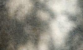 Предпосылка серого цвета и белых текстурированная текстурированная grunge стоковое изображение