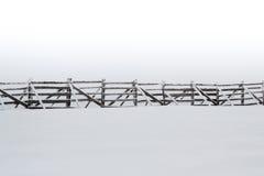 Предпосылка снежка Overcast с сугробом стоковое изображение