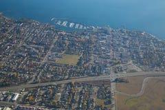 Предпосылка солнечного дня океана города вида с воздуха Стоковое Изображение