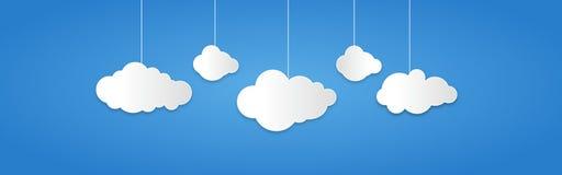 Предпосылка составленная облаков белой бумаги над синью также вектор иллюстрации притяжки corel