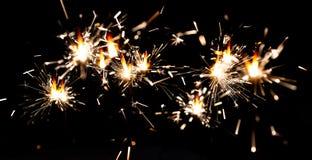 Предпосылка с бенгальским огнем Бенгальский огонь Bokeh бенгальского огня красочный Праздничный элемент освещения украшения бенга стоковая фотография